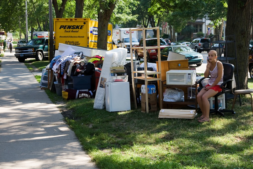 Take some time to think through how to arrange your belongings on the truck before dumping it all on the lawn.